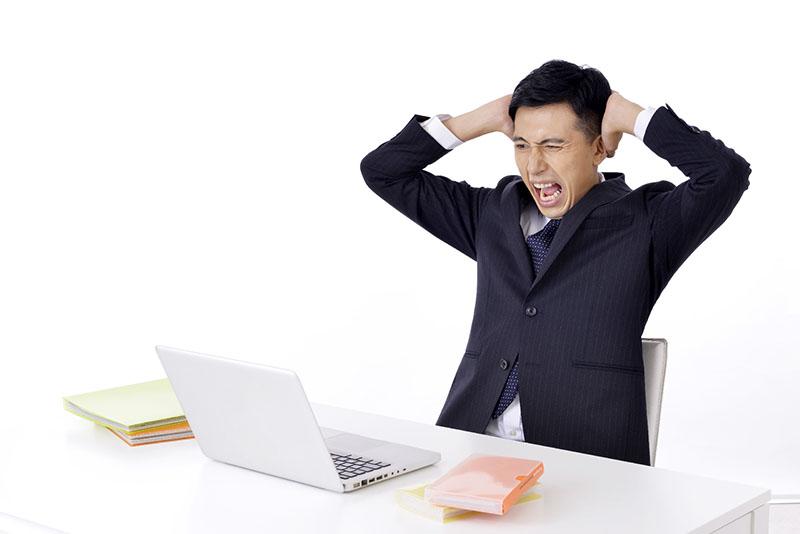 パソコンを買い替えるときの購入の目安と購入する際に注意すること